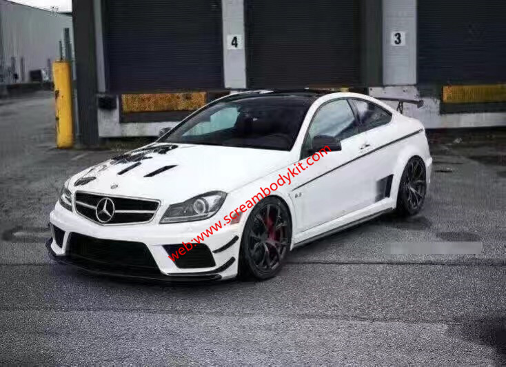 Benz W204 C or C63amg(Coupe or sedan) update black series wide body kit